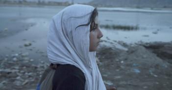 Mina Walking (dir. Yosef Baraki, 2015)