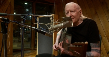 Johnny_Winter_Studio