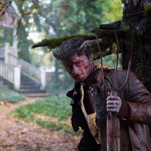 daniel-radcliffe-looks-bloody-frightening-in-new-horns-photos
