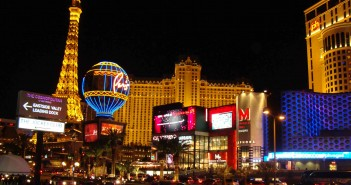 Las_Vegas_strip_photo_1_e316f5